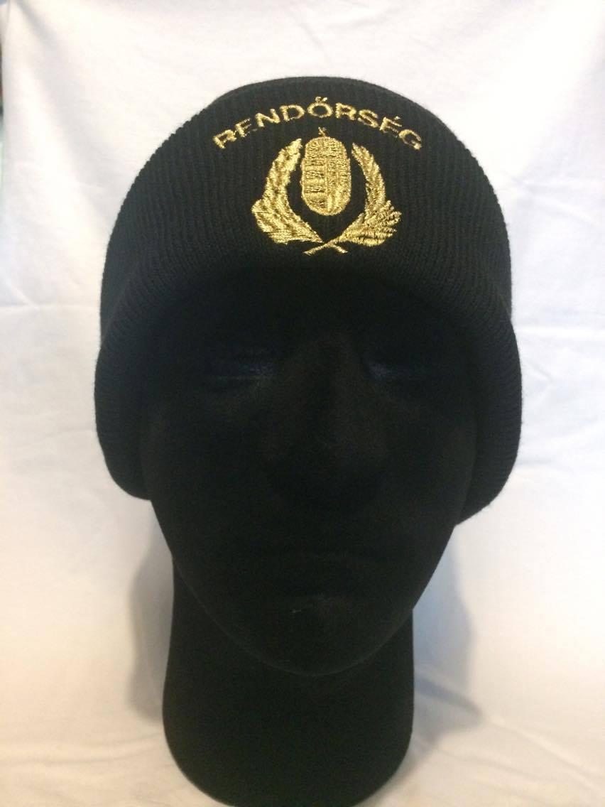 Rendőrségi hímzett kötött sapka – Dóra Miniker a61f834c50